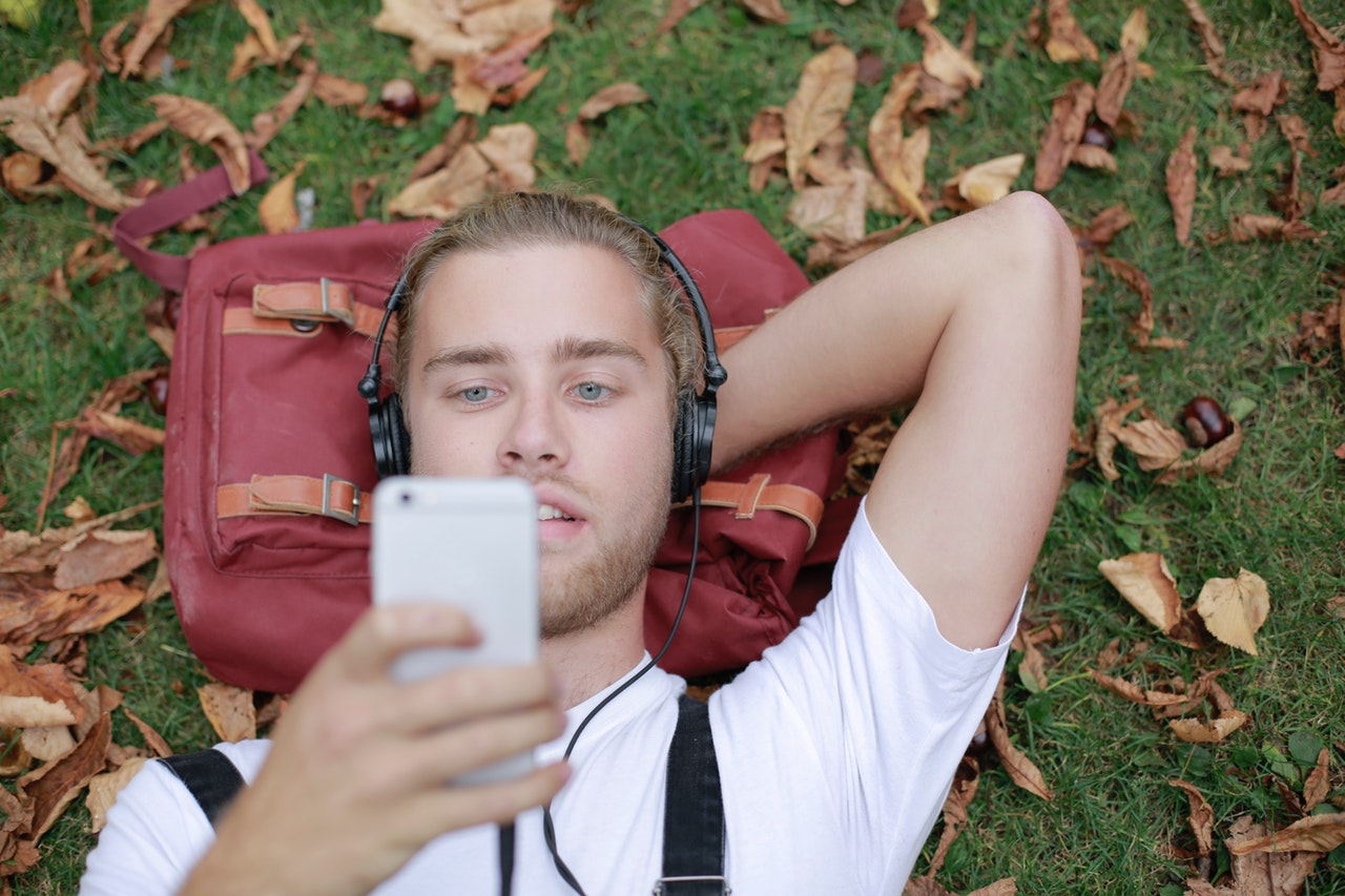 guy listening to audiobooks
